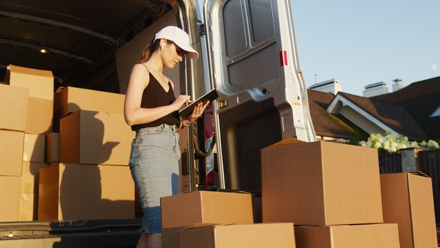 Things To Check Before Hiring Movers